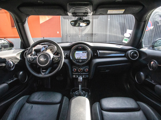 Mini Mini III (F56) Cooper S 192ch Pack Red Hot Chili BVAS