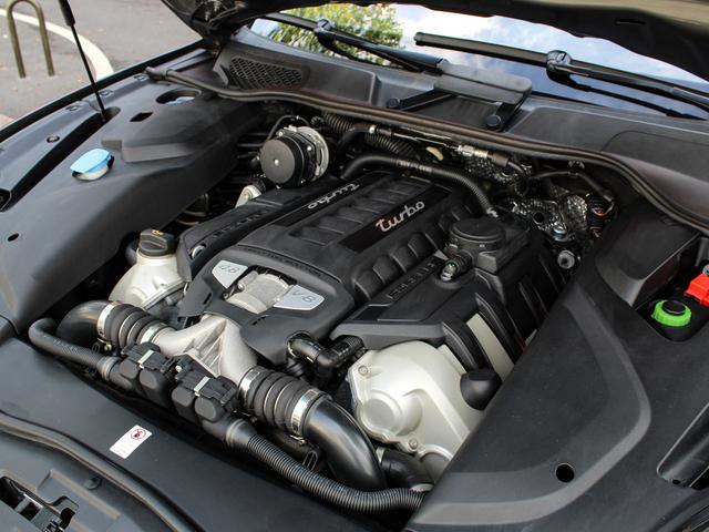 Porsche Cayenne II (958) 4.8 520ch Turbo